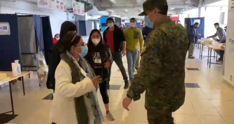 Detienen a mujer en Estadio Monumental: Fue acusada de fotografiar voto