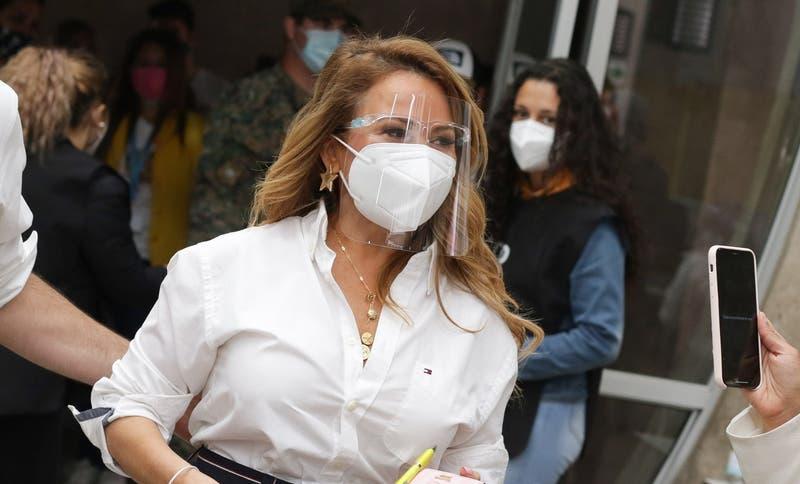 """Alcalde de La Florida califica como """"humillación brutal"""" lo que sufrió Cathy Barriga en Maipú"""