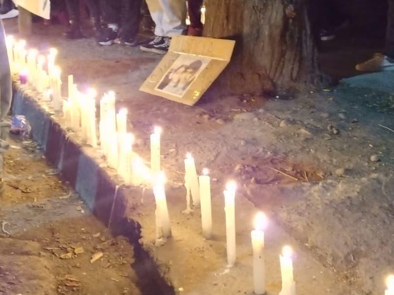 Velatón y manifestaciones en El Bosque por el crimen de dos hermanos adolescentes