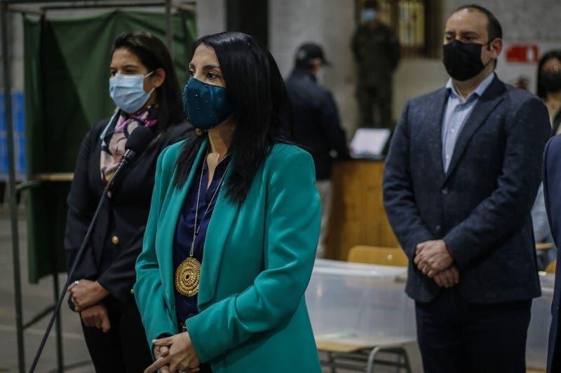 Ministra Rubilar inicia cuarentena preventiva por contacto estrecho de COVID-19