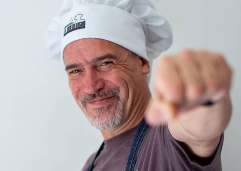 """De las tablas a la cocina: Julio Milostich y la receta de su pyme """"Empanadas La Querencia"""""""