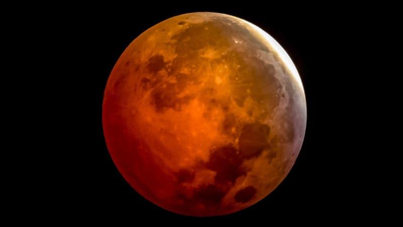 Eclipse total de Luna: Qué es y a qué hora se verá con mayor intensidad