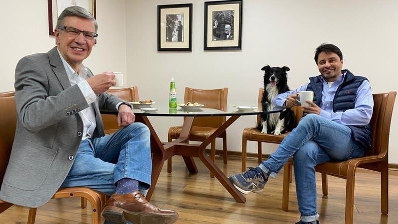 Joaquín Lavín solicita a Rodolfo Carter que sea vocero de la campaña presidencial