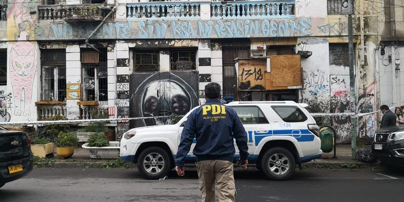 Encuentran cuerpo de una mujer de 25 años en casa okupa de Valparaíso