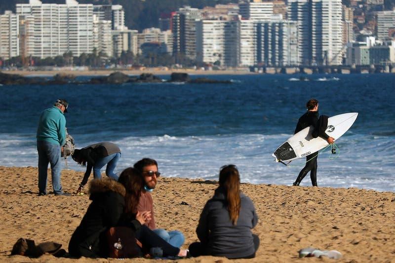 [VIDEO] Turistas disfrutas de las playas sin cuarentena