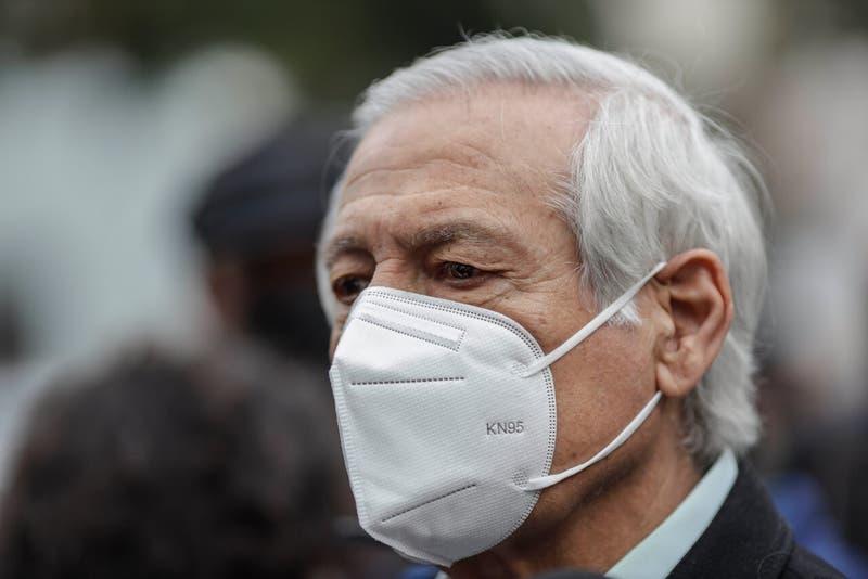 """Heraldo Muñoz: """"La exclusión (del PC y el Frente Amplio) no tienen otra explicación que electoral""""."""