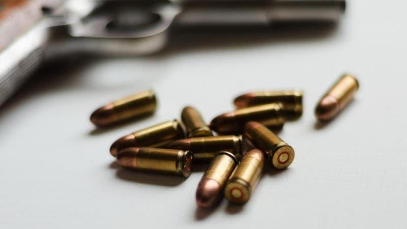 Padre mató a su hijo de cuatro años a disparos: La madre clamó por ayuda antes de la tragedia