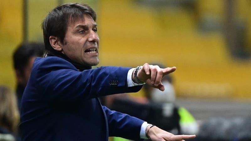 Alexis y Vidal se quedan sin DT: Inter confirma salida de Antonio Conte