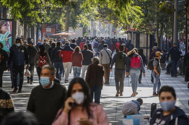 Informe Epidemiológico: 7 comunas de la región Metropolitana entre las 10 con más casos activos