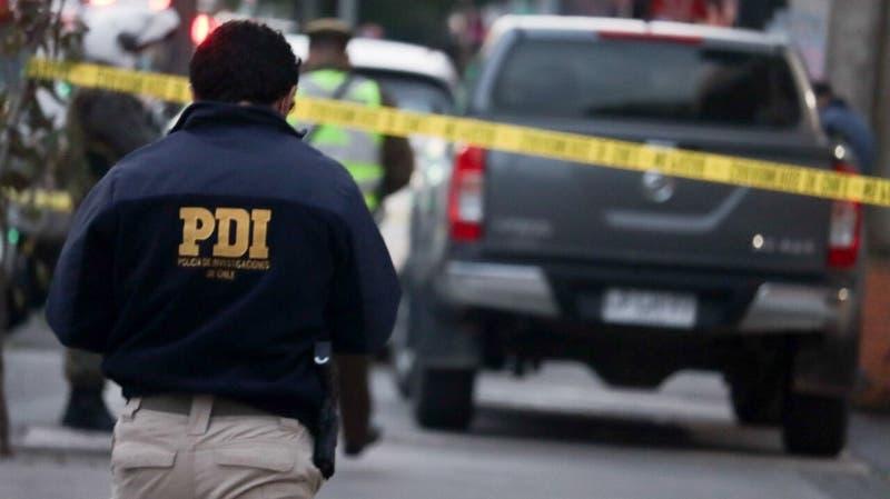 PDI investiga asesinato de hombre al interior de un bus Transantiago tras recibir un disparo