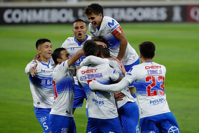La UC vence a Atlético Nacional y se instala después de 10 años en los octavos de la Libertadores