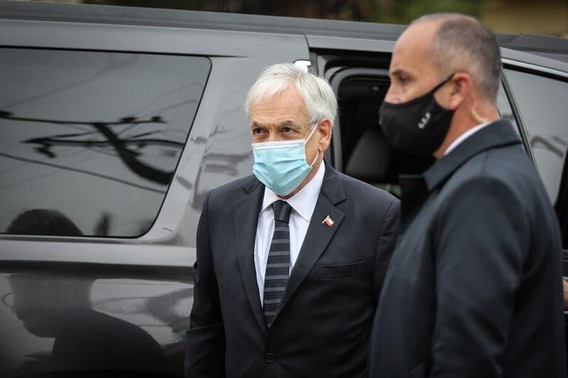 Presidente Piñera abandona anticipadamente funeral de carabinero tras ser increpado por familiares