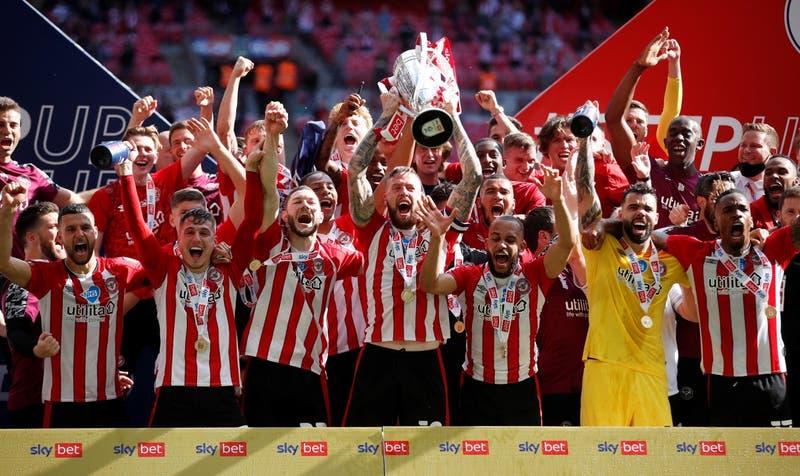El Brentford asciende a la Premier League luego de 74 años de ausencia