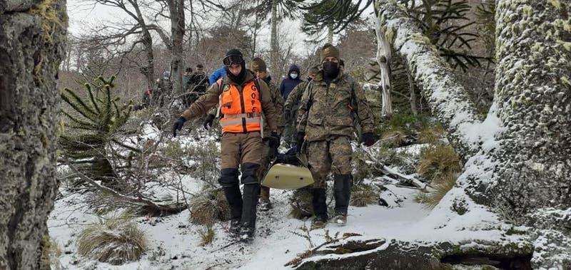 Encuentran los cuerpos de dos turistas desaparecidos en la Laguna Escondida