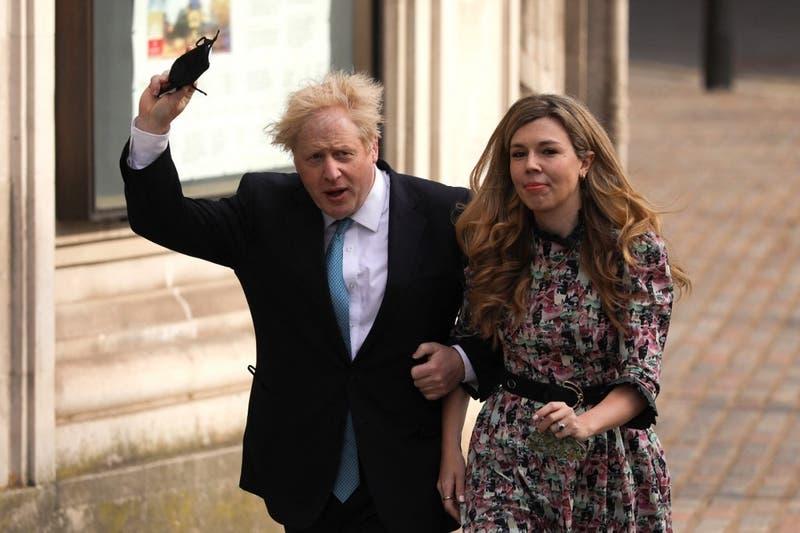 "Primer Ministro británico se casa ""en secreto"""