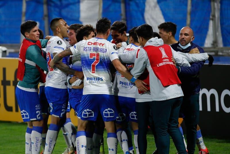 Palmeiras será el rival de Universidad Católica en los octavos de final de la Copa Libertadores