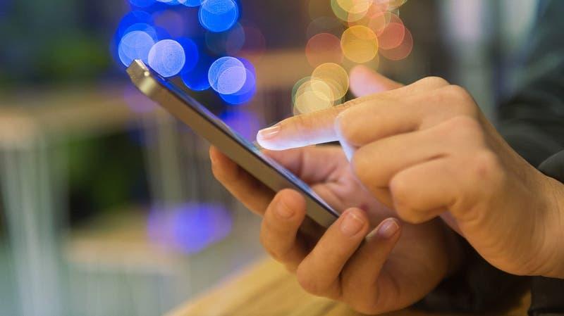 Emprendedores chilenos crean app de realidad aumentada para probar productos antes de comprar