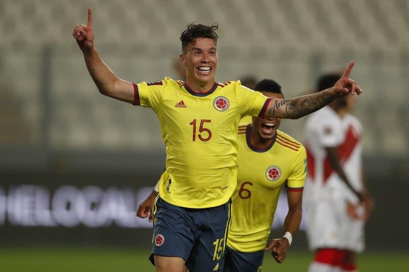 Reinaldo Rueda debuta en la banca de Colombia con una goleada sobre Perú en Lima