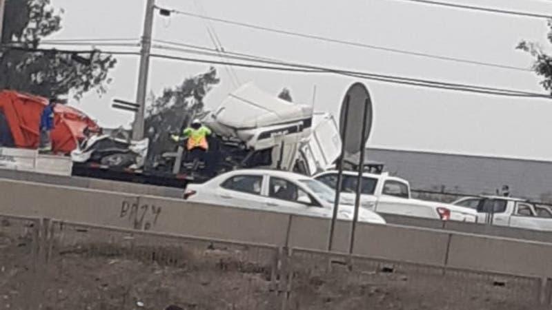 Al menos un fallecido tras accidente de tránsito múltiple en San Bernardo