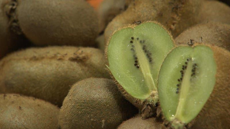 El kilo de kiwi casi duplica su precio en un año