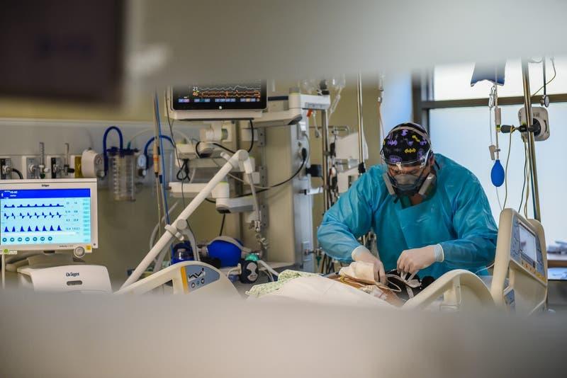 """Presidente (s) del Colmed: """"Estamos viviendo el peor momento hospitalario de la pandemia"""""""