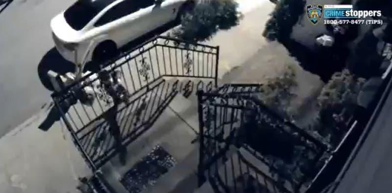 Cámara de seguridad capta a sujeto que disparó contra un hombre y mató a un niño de 10 años
