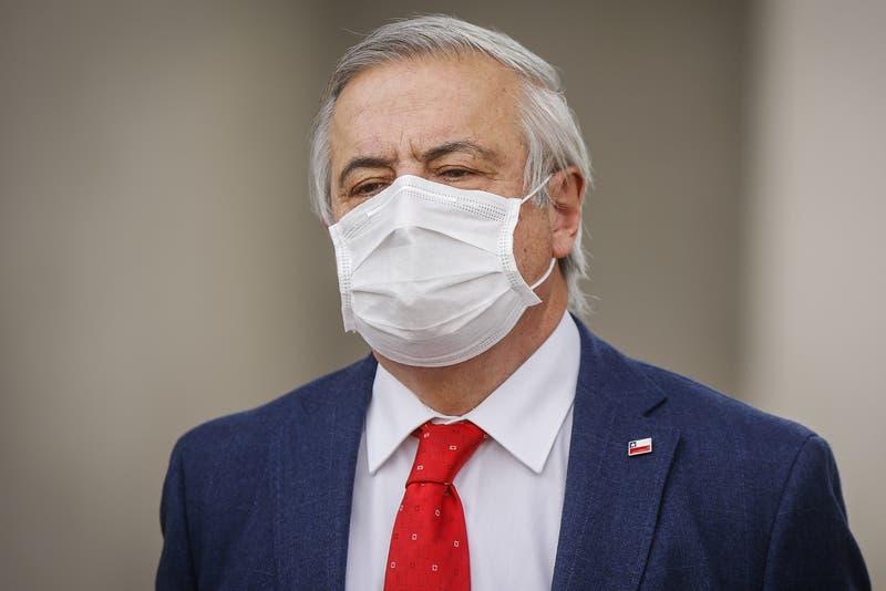 """Mañalich y aumento de casos COVID-19: """"Lo que está mal es el virus, no el manejo de la pandemia"""""""