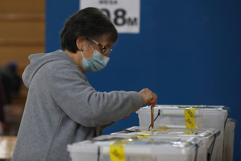 Segunda vuelta de gobernadores: En qué regiones habrá votación este domingo