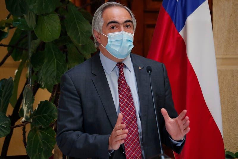 """Chahuán llama a unir Chile Vamos y ex Concertación para """"evitar tsunami rojo de extrema izquierda"""""""