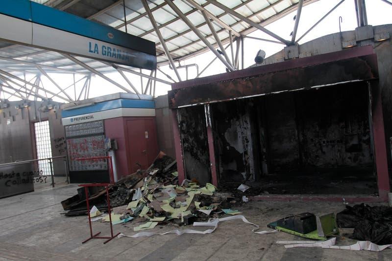 Anulan juicio que condenó a dos personas por incendio en Metro La Granja en 2019