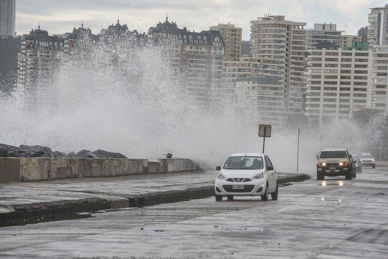Marejadas anormales en el borde costero del país: Fenómeno se extenderá hasta el sábado