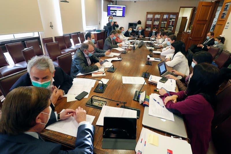 Comisión de Hacienda aprueba ayuda a las pymes y se votará en la sala este jueves