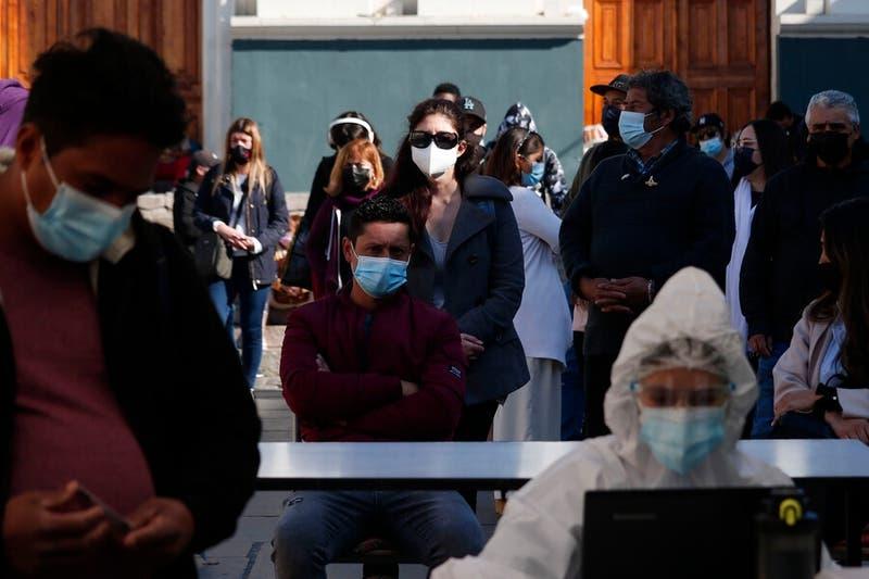 Informe Epidemiológico: Chile alcanza los 61.645 casos activos, la cifra más alta de la pandemia