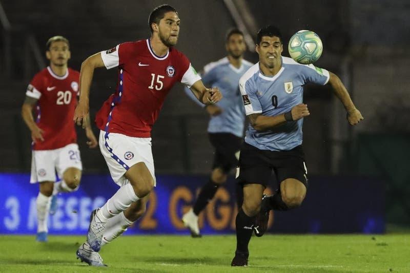 Rival de Chile en el grupo: Uruguay confirma nómina con Suárez y Cavani para la Copa América 2021