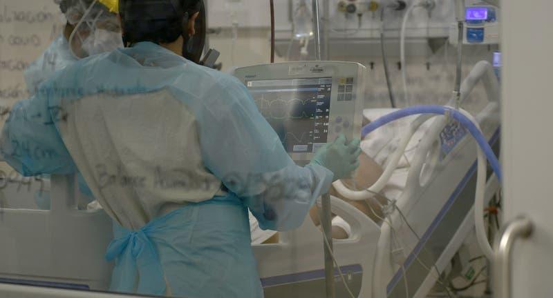 Chile registra 7.716 casos COVID-19 este jueves: activos superan los 45 mil