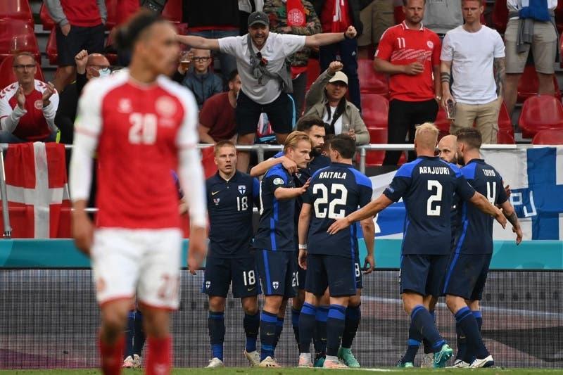 Dinamarca cayó ante Finlandia en duelo marcado por el desvanecimiento de Eriksen