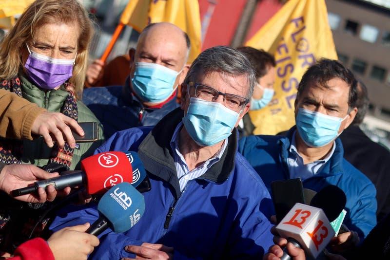 Lavín a Jadue: Que firme estatuto de garantía de que no conducirá a Chile como los países que admira