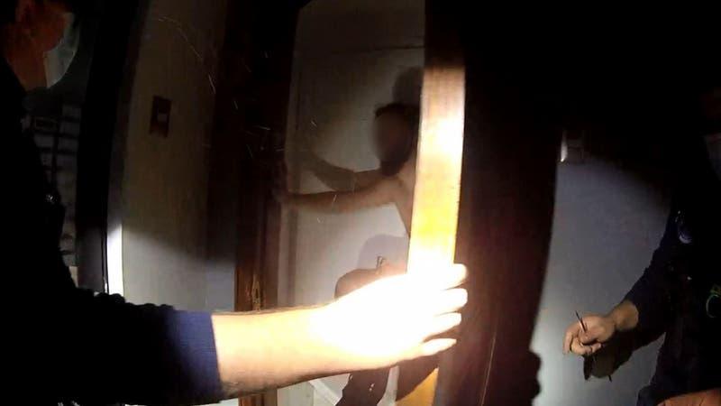 Hombre estuvo 8 horas atrapado en un armario en Providencia: Debió ser rescatado