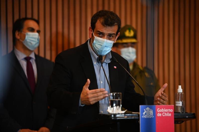 """Gobierno respalda a Paris por dichos sobre trabajadores de la salud: """"Él tiene razón al respecto"""""""