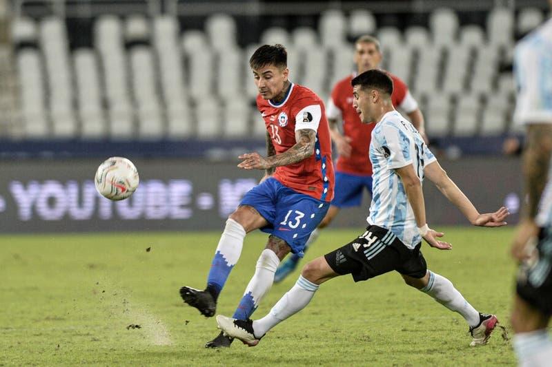 El reloj de La Roja: Erick Pulgar solo falló un pase en todo el partido y destacó en el mediocampo