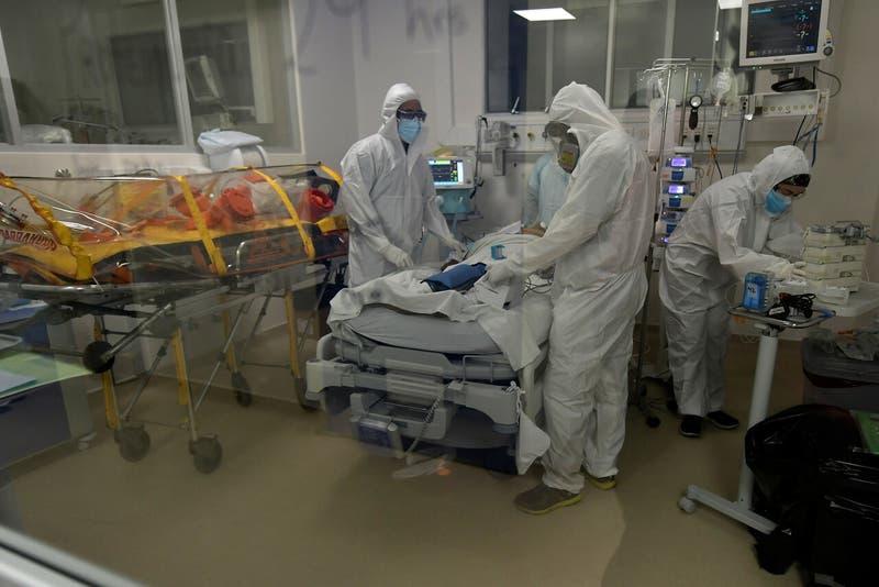 Chile registra 4.607 casos de COVID-19 este martes: positividad en la RM alcanza el 10%