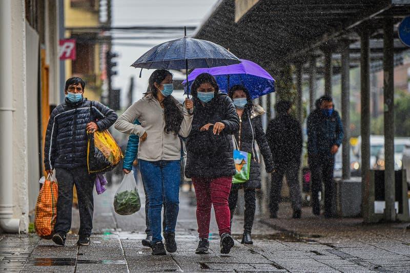 Por lluvia y tormentas eléctricas: decretan Alerta Temprana Preventiva para 10 comunas de la RM