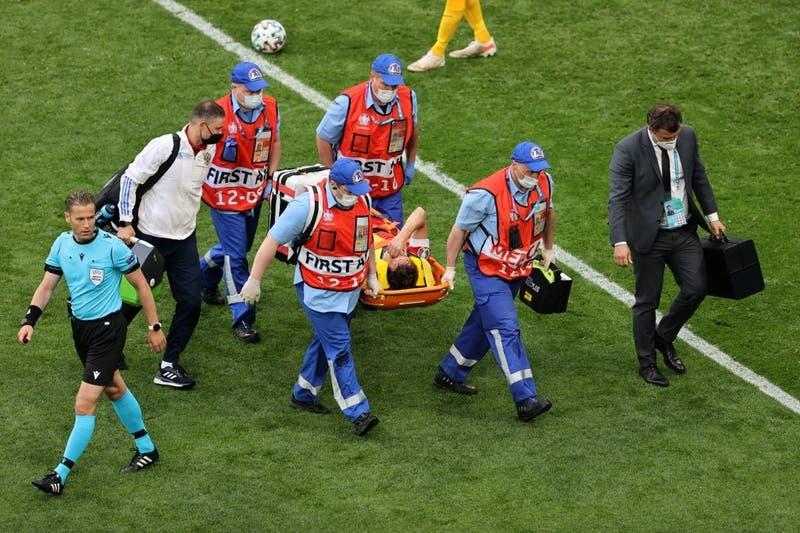 Eurocopa 2021: Jugador ruso es hospitalizado tras sufrir violenta caída en partido ante Finlandia
