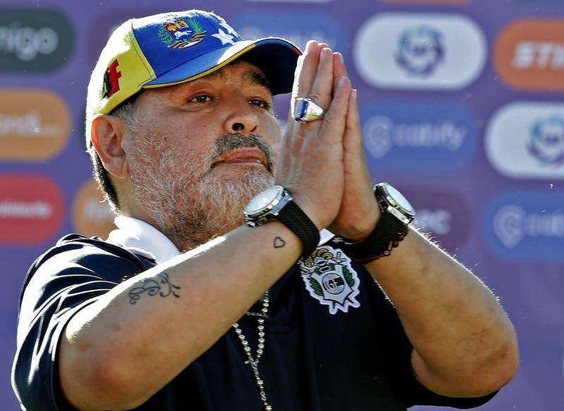 """""""A Maradona lo mataron"""", dice abogado de una de las enfermeras sospechosas"""