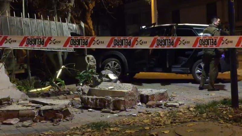 [VIDEO] Camioneta robada termina incrustada en una casa en Ñuñoa