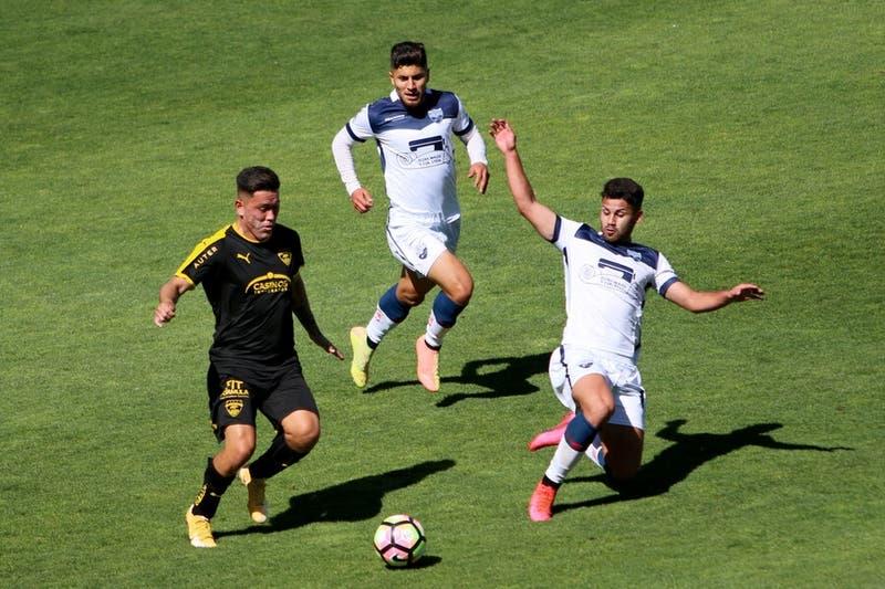 Peligra el debut de la U en Copa Chile: Recoleta podría perder la clasificación por un error