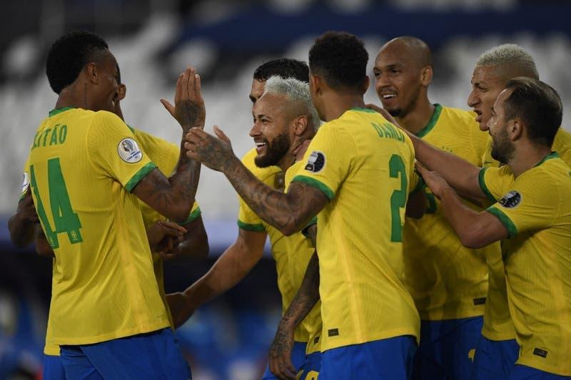 Brasil golea a Perú y ya está en cuartos de final de la Copa América 2021