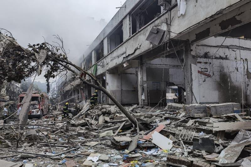 Ocho detenidos en China después de explosión de gas que dejó 25 muertos