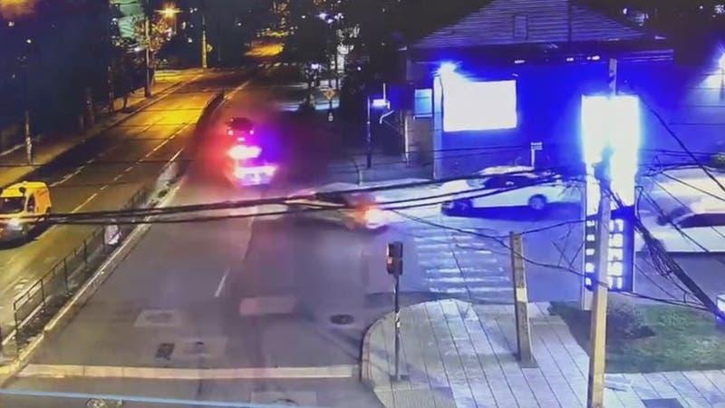 [VIDEO] Conductor ebrio protagoniza persecución en Ñuñoa: Fue contra el tránsito y chocó a delivery