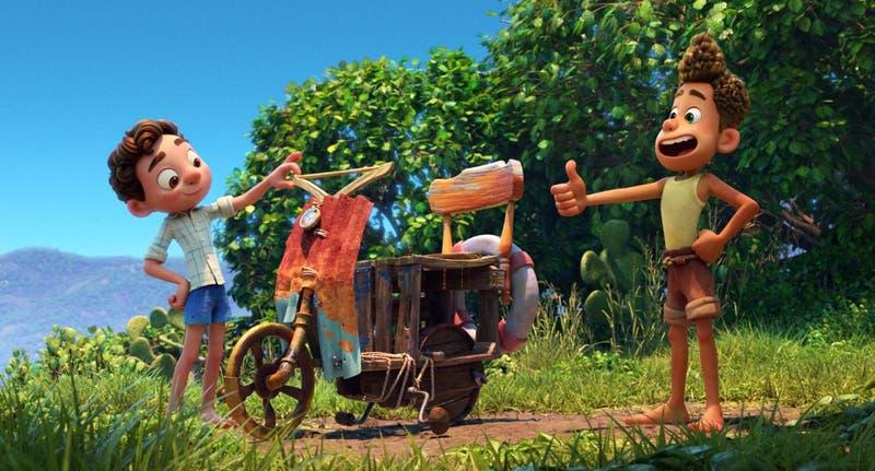 """Los 3 motivos por los que tienes que ver """"Luca"""", la nueva cinta de Pixar que se estrenó este viernes"""